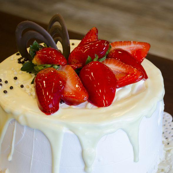 Torta Morango Branco